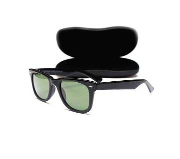 Retro Wayfarer Sunglasses - Black