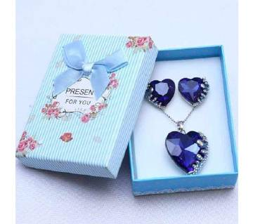 valentine heart shaped stone set pendant with ear ring