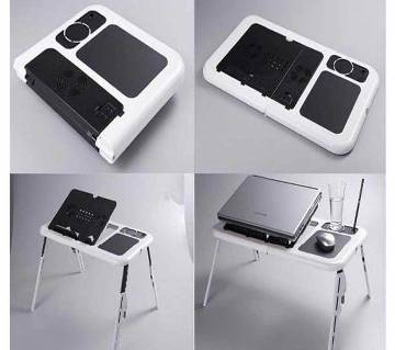 Laptop e-table with cooling fan