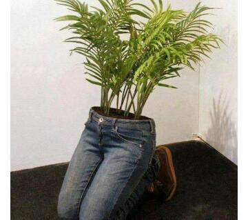 Human body shape design tree pot