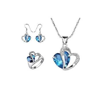 Love Shape Silver And Blue Crystal Necklace Set