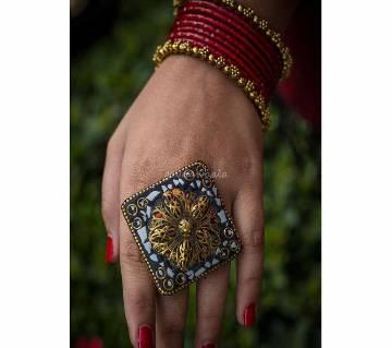 Classic Big Finger Ring