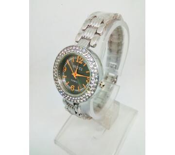 gucci stone setting watch