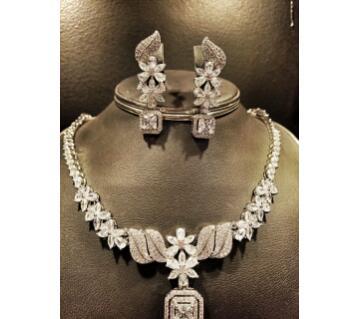 Diamond cut white necklace