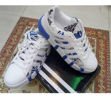 Adidas স্নিকারস - কপি