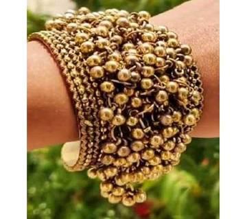 Antique Golden Amyra