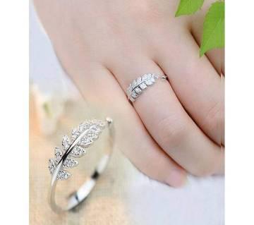 Ladies Finger Ring