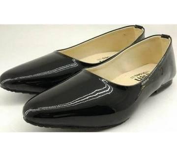 Ladies Flat Pumpy Shoes