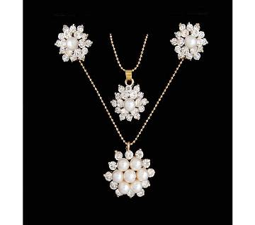 White Snowflake Flower Necklace Earrings Set