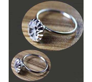 Ladies stone setting finger ring
