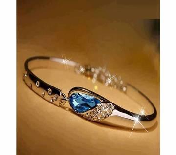 ladies stone setting alloy bracelet