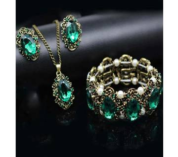 Charm green stone jewelry set