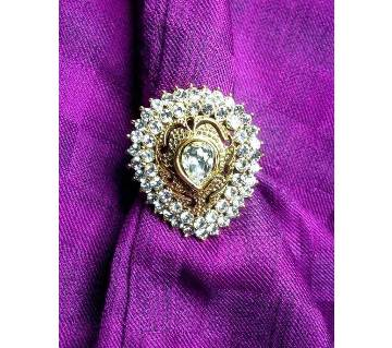Exclusive kundon finger ring