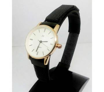 AILI MAGNET WATCH FOR WOMEN