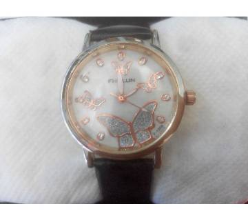 Ladies leather strap watch
