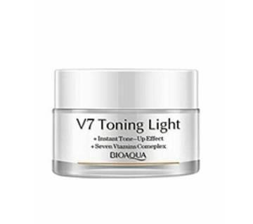 Bioaqua V7 Toning Light Cream