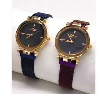 Magnet Ladies Analog Wrist Watch