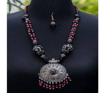 Gorgeous Silver Black White Stone Jhumka Type Red Black Stone Chain Necklace with Earring