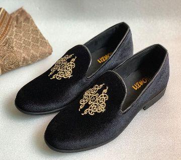 Velovet Embroidery Loafer