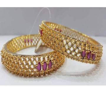 Gold Plated Diamond cut Bangles (2 pc )