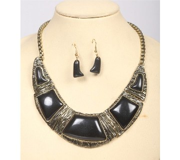 Bid Necklace With Earring