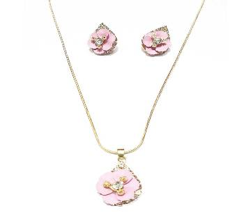 Ladies Stone Setting Pendant & Earring Set