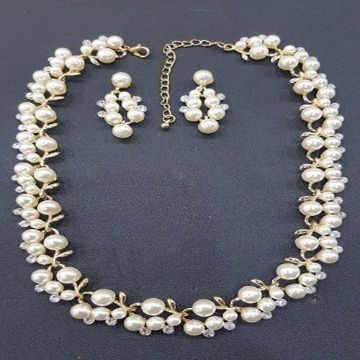 Pearl Necklace With Matching Earring