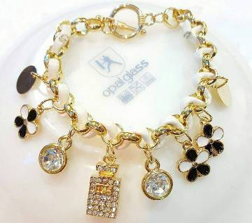 Bottle shaped rhinestone setting bracelet