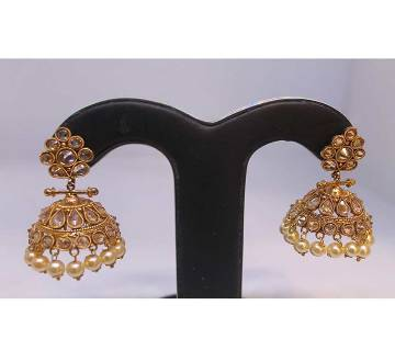 Stylish Gold Plated Diamond Cut Earring