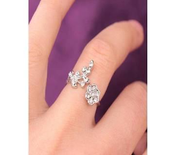 Women Fashion Rhinestone Ring Leaf Flower Shape(Free Size)