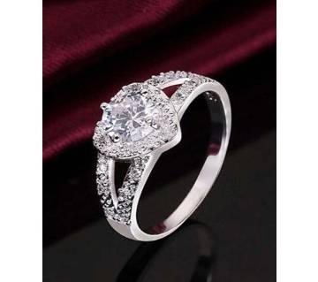 Fashion heart-shaped ring