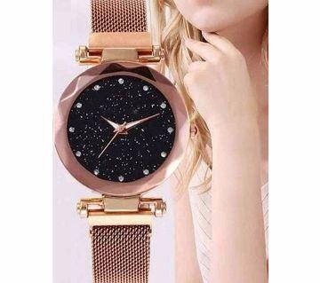 DIOR Magnet Ladies Watch-Golden