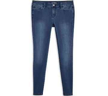 Comfortable Ladies Deep Blue Denim Skinny Pant