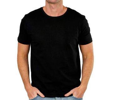 solid color black t-shirt