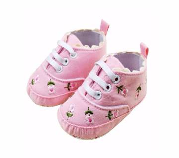 Floral  Embroidered Soft Crib Baby Girl Shoes