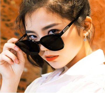 Classic Square Size Black lens Cat Eye Sunglasses For Women