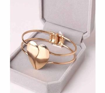 Shiny Double Heart Alloy Bracelets for Women