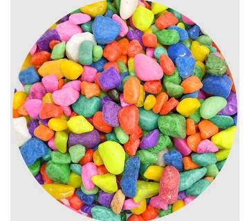 Mixed color pebbles