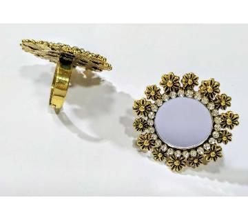 Mirror Designed Ladies Finger Ring