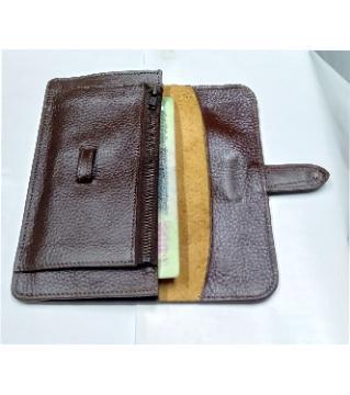 finishing leather wallet