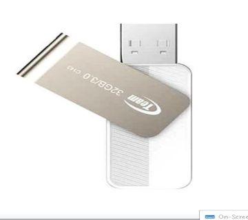 C143 USB 3.0 Pendrive 32 GB  White