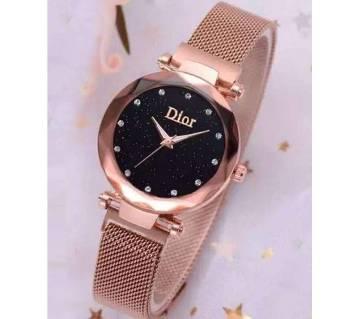 Dior Magnet Analog Wrist Watch for Women-Copy- Golden