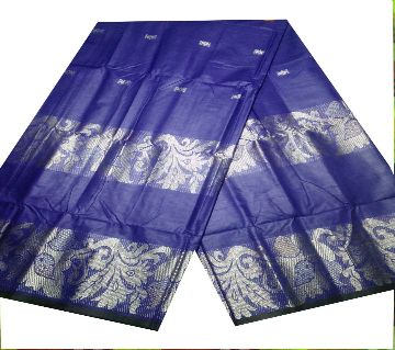 Cotton lungi for men working of the Hand