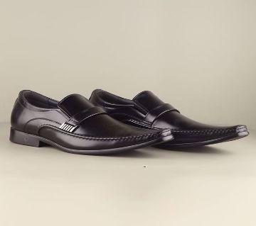 VENTURINI Mens Dress Shoe by Apex