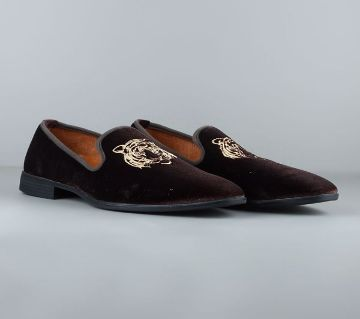 VENTURINI Mens Embroidered Loafer by Apex