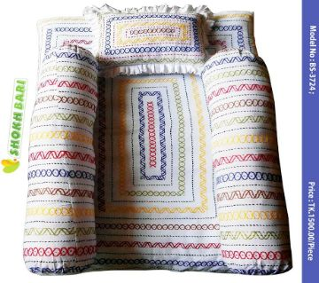 Hand stitched comfortable Baby bedding set