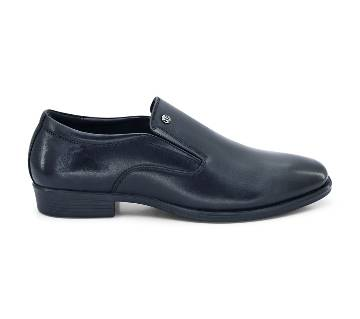 Hush Puppies Formal Slip-on Shoe in Black for Men by Bata - 8066615