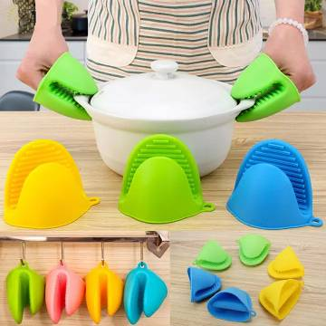 Kitchen Dishes Silicone Oven Heat Insulated Finger Glove Mitt Protector Random