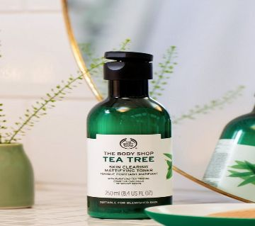 The Body Shop Tea Tree Skin Clearing Mattifying Toner 250ML (UK)