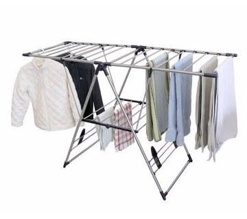 Folding hanger for cloths drying